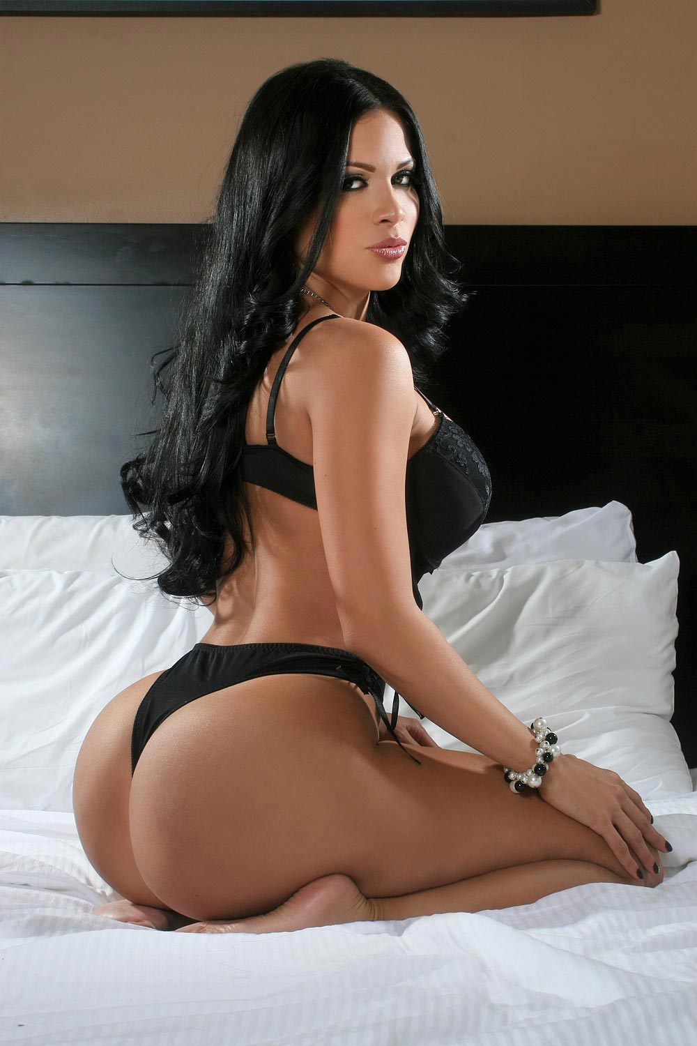 round and brown eastern suburbs escorts