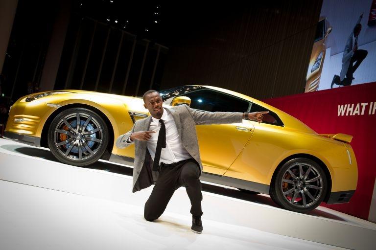 Bolt-Gold-Nissan-GT-R