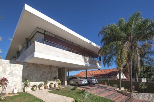 Contemporary-Property-Design-Brazil-01