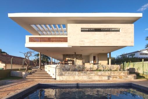 Contemporary-Property-Design-Brazil-03