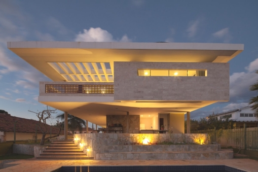 Contemporary-Property-Design-Brazil-11