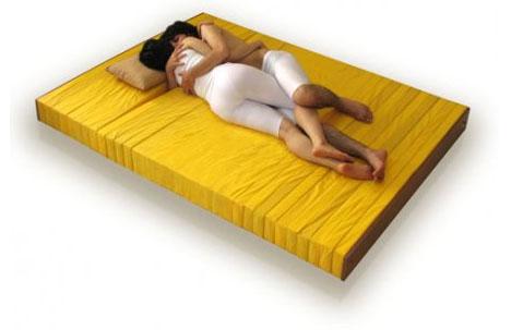 flexible-couples-sleeping-mattress