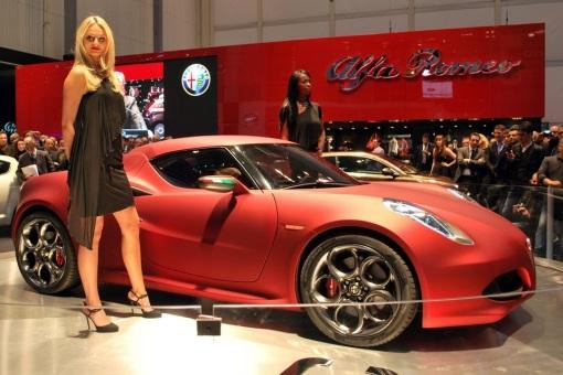 2013-Alfa-Romeo-4C-4
