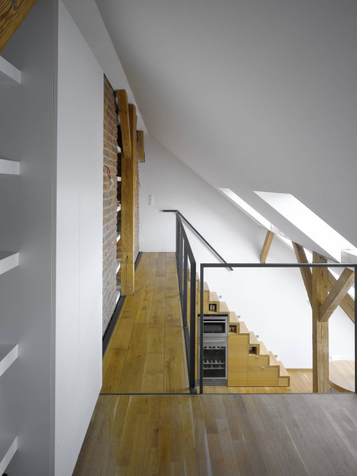 Attic-Loft-Apartment-Prague_4