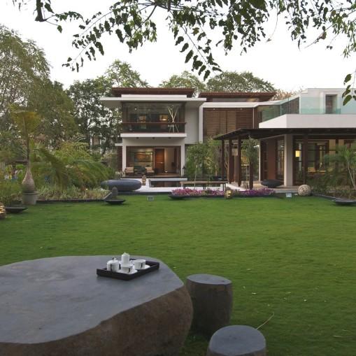 Contemporary-Interior-Design-Property-Gujrat-India-07-910x910