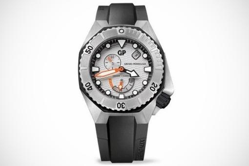 Girard-Perregaux-Sea-Hawk-Collection-3