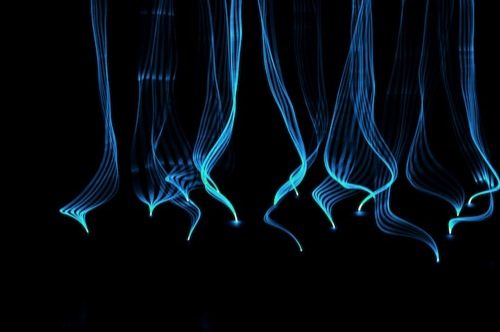 Interactive-Blue-Light-Art-by-Gabey-Tjon-a-Tham-2
