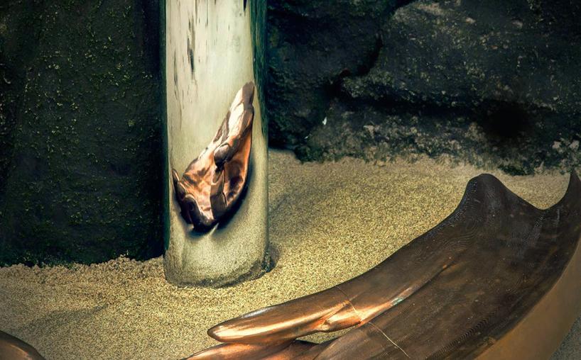Jonty-Hurwitz-Anamorphic-sculptures-Hand