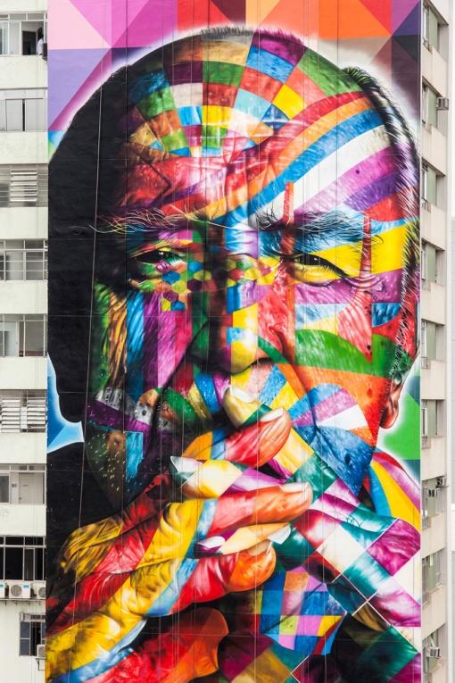 02-eduardo-kobra-painter-urban-street-art-chicquero-mural-brazil