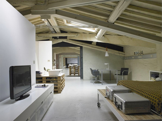 Modern-Minimalist-Loft-in-Florence-Bedroom