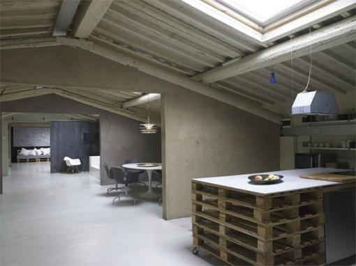 Modern-Minimalist-Loft-in-Florence-Kitchen