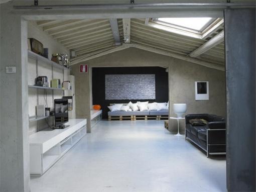 Modern-Minimalist-Loft-in-Florence-Living-Room