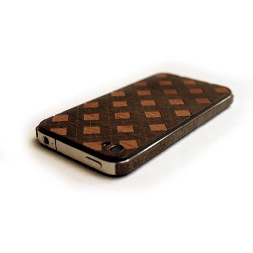 5-lazerwood-wood-veneer-cover-for-the-iphone-4