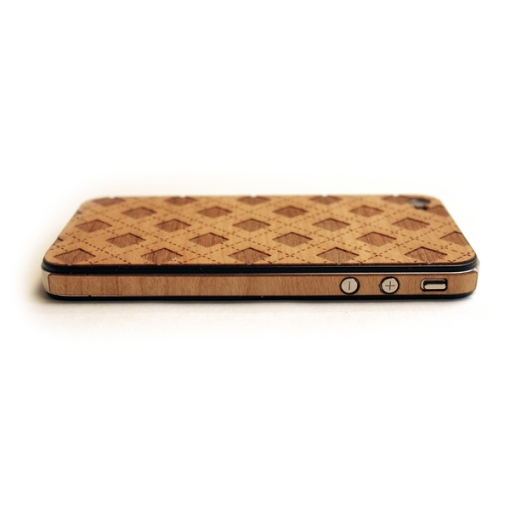 7-lazerwood-wood-veneer-cover-for-the-iphone-4
