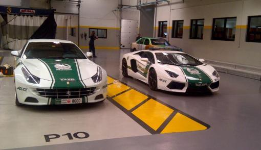 Ferrari-FF-Lamborghini-Dubai-Police