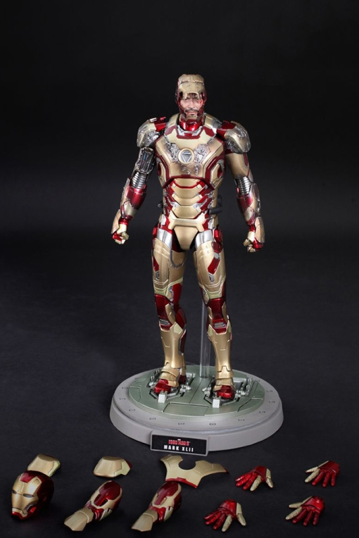 hot-toys-iron-man-3-mark-xlii-limited-edition-collectible-figure-3