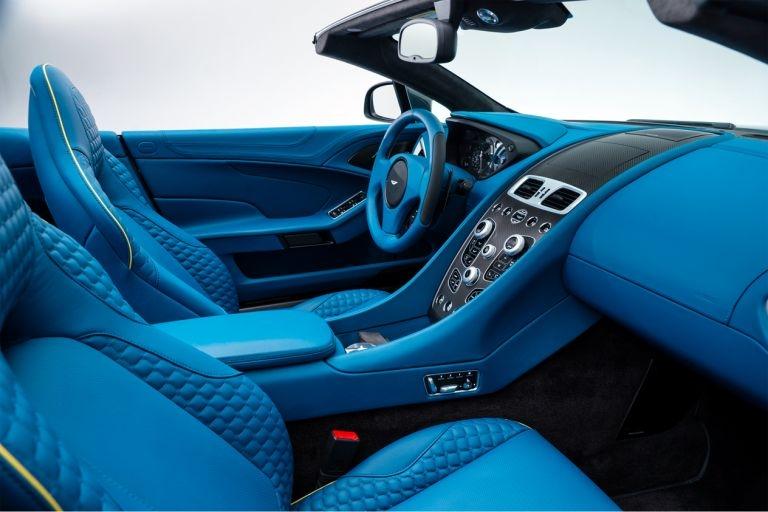 Aston-Martin-Vanquish-Volante-interior