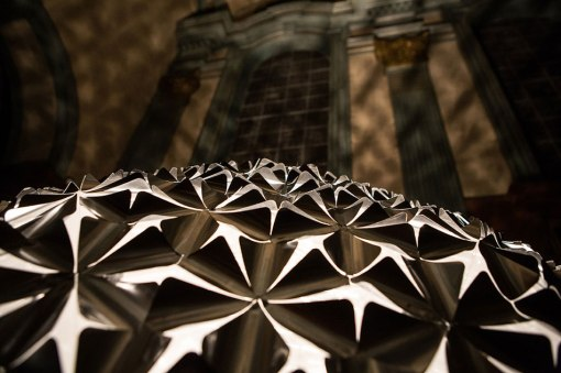 dan-roosegaarde-lotus-flower-dome-designboom-13