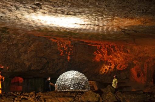 lotus-dome-jerusalem-cave-daan-roosegaard-designboom01