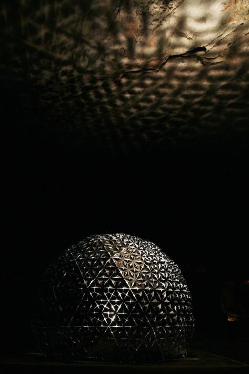 lotus-dome-jerusalem-cave-daan-roosegaard-designboom13