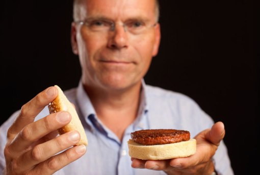 cultured-beef-first-lab-grown-burger-designboom-d