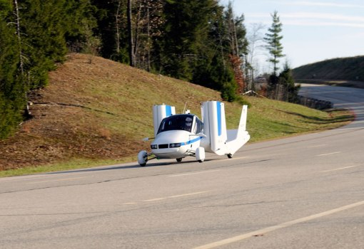 terrafugia-flying-car-public-flight-designboom06