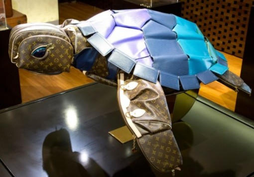 Louis-vuitton-turtle-600x418