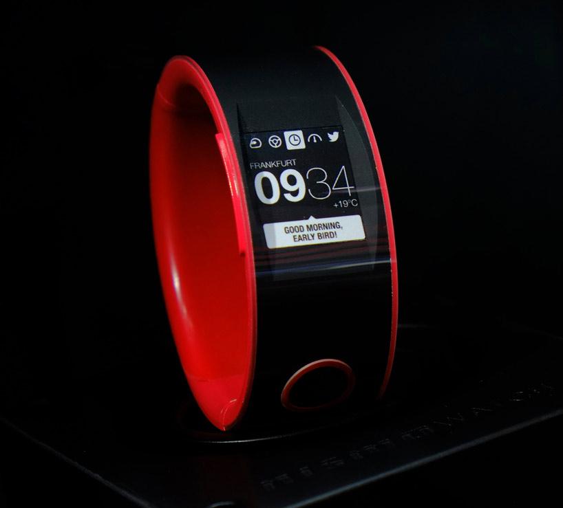 nismo-smartwatch-nissan-designboom06