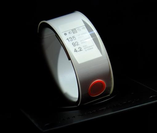 nismo-smartwatch-nissan-designboom07