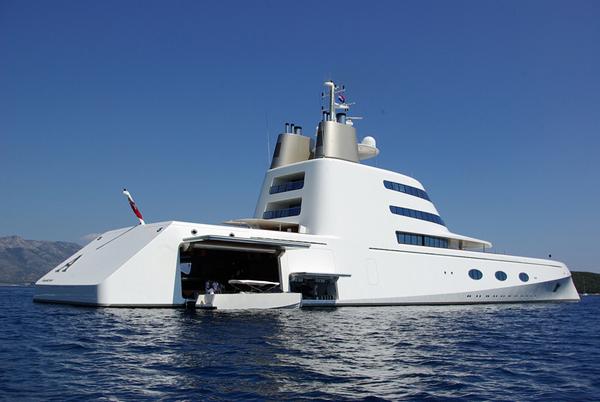 World s top 10 most expensive luxury yachts dj storm 39 s blog for Bateau de luxe interieur
