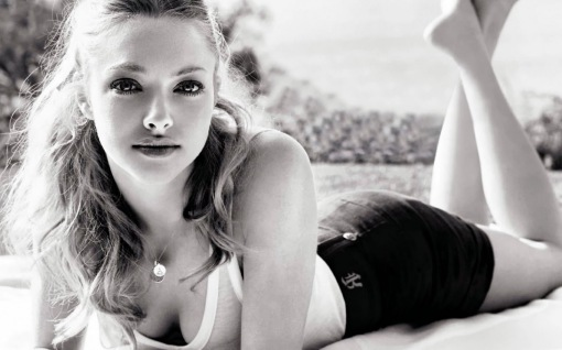 amanda-seyfried-hot-01