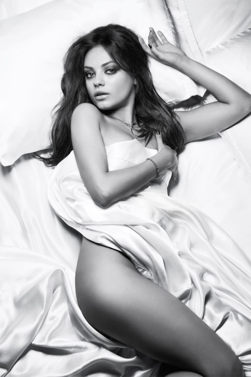 Mila-Kunis-Cliff-Watts-Esquire-2012-7
