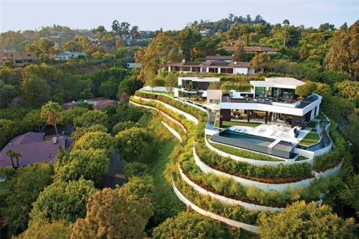 Beverly-Hills-Bachelor-Pad-by-Michael-Palumbo-1