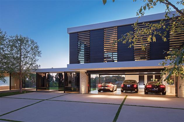 Beverly-Hills-Bachelor-Pad-by-Michael-Palumbo-11