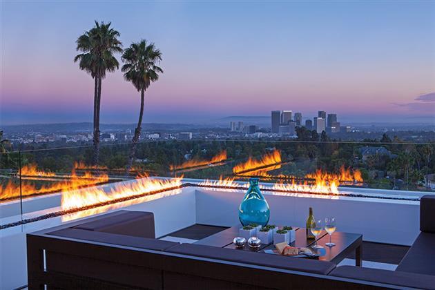 Beverly-Hills-Bachelor-Pad-by-Michael-Palumbo-12