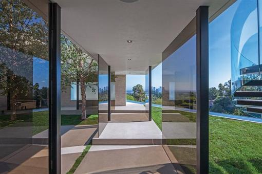 Beverly-Hills-Bachelor-Pad-by-Michael-Palumbo-4