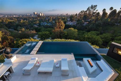 Beverly-Hills-Bachelor-Pad-by-Michael-Palumbo-5