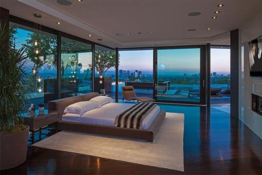 Beverly-Hills-Bachelor-Pad-by-Michael-Palumbo-9