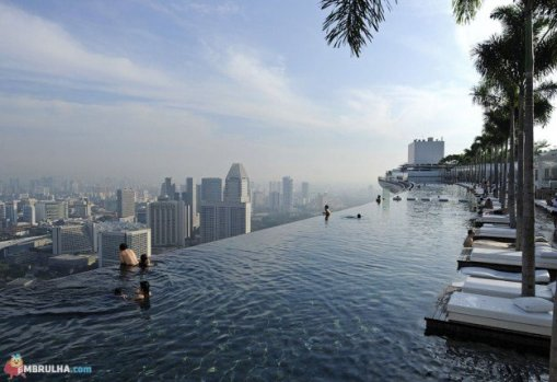 Infinity-Pool-in-the-Sky-at-Marina-Bay-Sands-Hotel-Singa_030