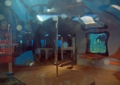 Abandoned-Underwater-Strip-Club-in-Israel-3