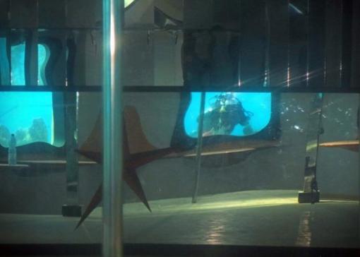 Abandoned-Underwater-Strip-Club-in-Israel-6