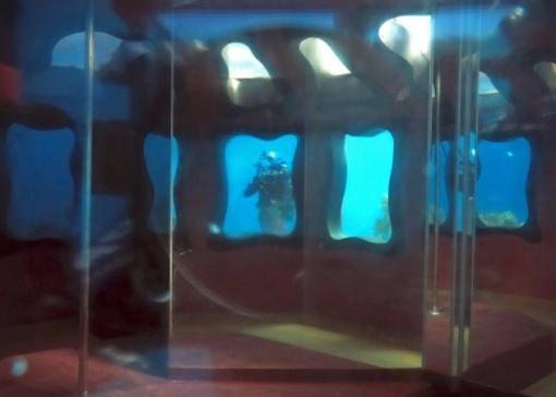 Abandoned-Underwater-Strip-Club-in-Israel-7