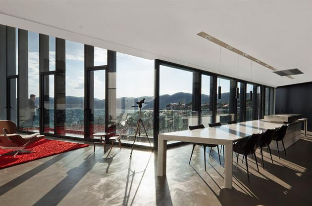 Contemporary-X-House-in-Barcelona-10