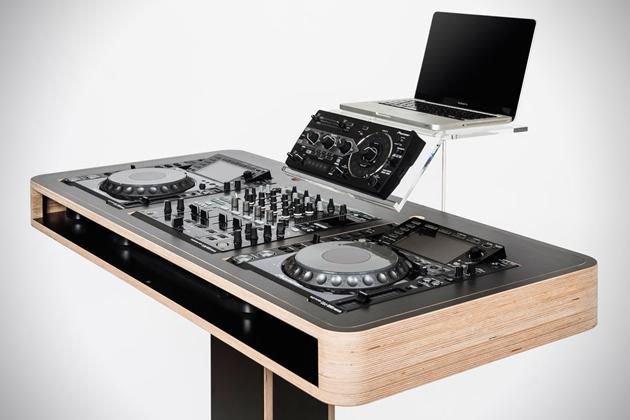 Hoerboard-Stereo-T-DJ-Workstation-1