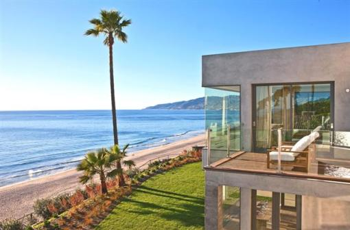 Modern-Seaside-Estate-in-Malibu-4