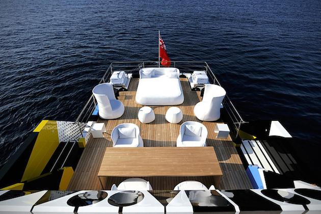 Guilty-Mega-Yacht-By-Jeff-Koons-8