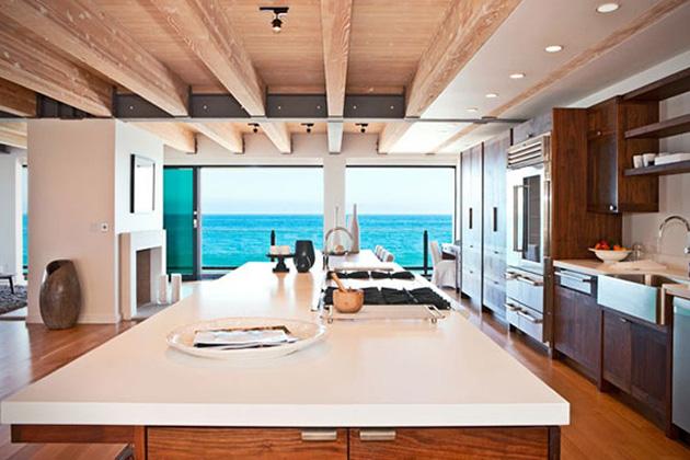 Matthew-Perrys-Malibu-Beach-House-04