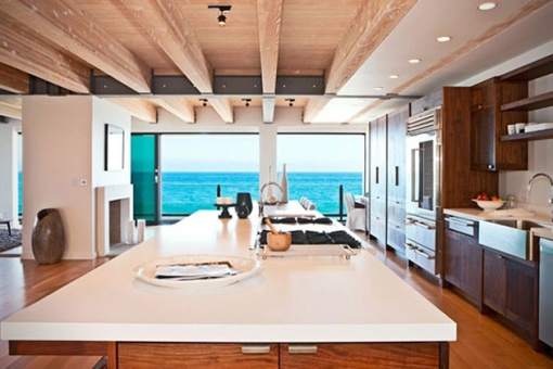 Matthew-Perrys-Malibu-Beach-House-04