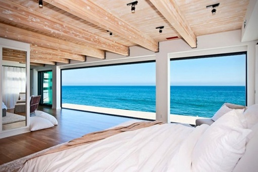 Matthew-Perrys-Malibu-Beach-House-6