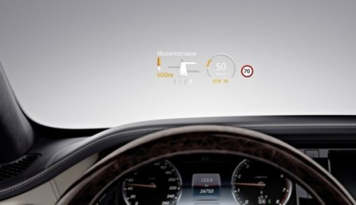 Mercedes-S600-driver-display-600x346